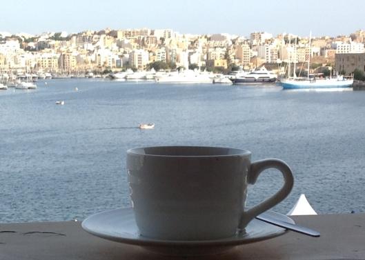 Morgonkaffe i Valletta